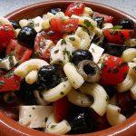 Tortellini – Salat mit Joghurt – Creme