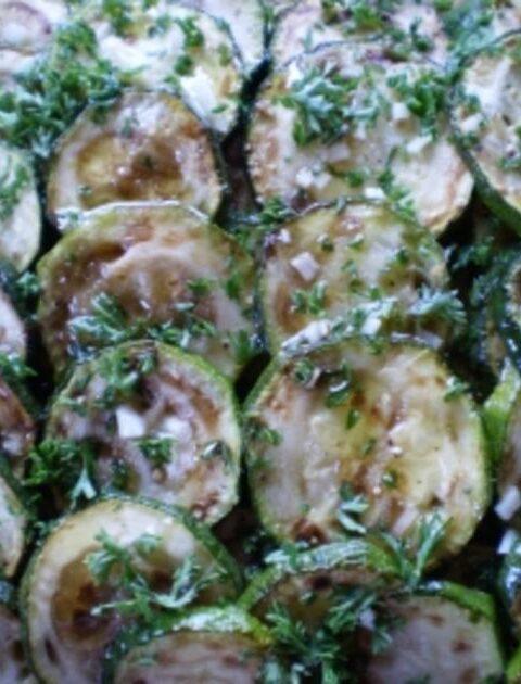 Zucchini, mariniert